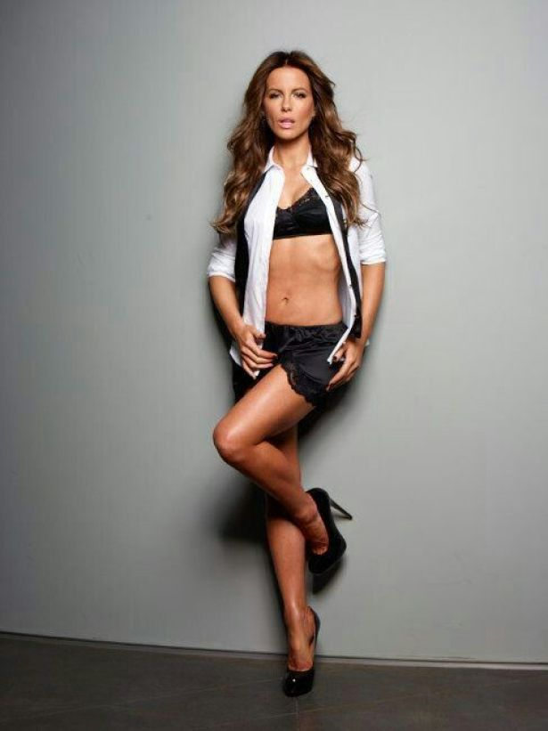 kate beckinsale feet pictures