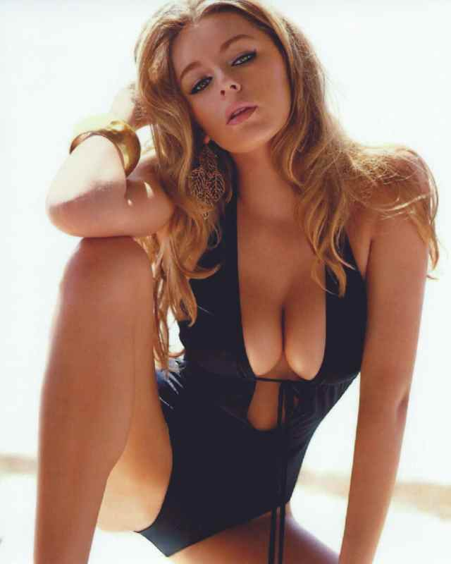 keeley hazell looking hot