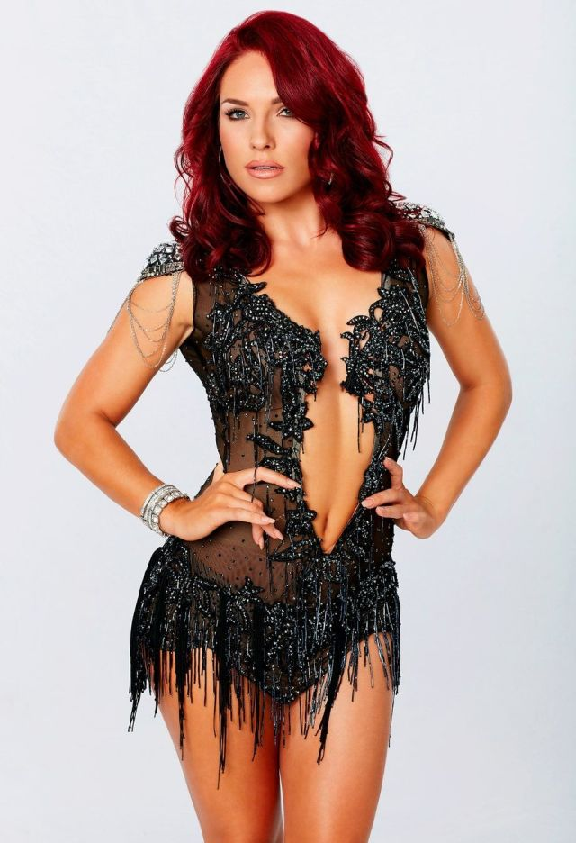 sharna_burgess cleavages sexy pic