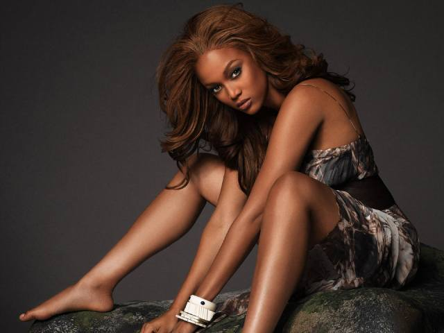 tyra banks bare feet pictures