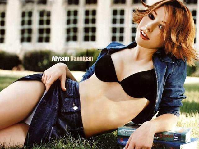 Alyson Hannigan awesome pic