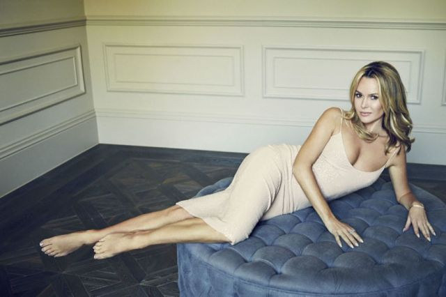 Amanda Holden sexy and hot pic