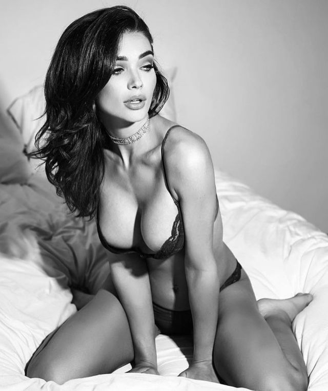 Amy-Jackson-awesome pictures