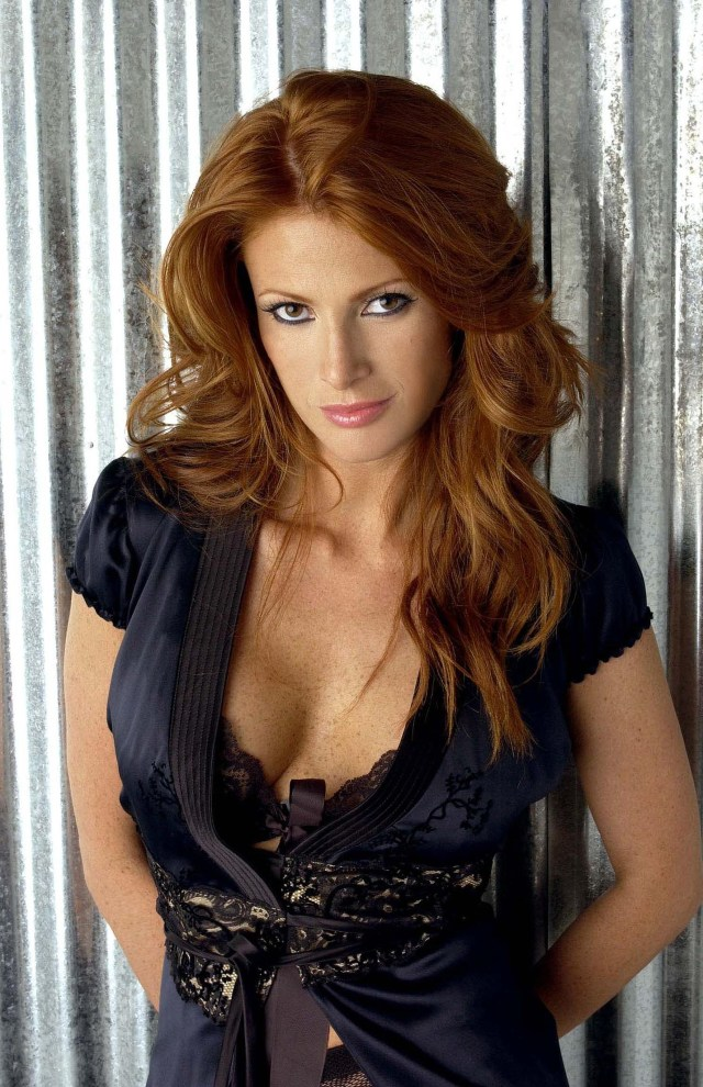 Angie Everhart hot cleavage