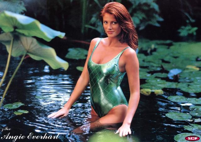 Angie Everhart hot lady photo