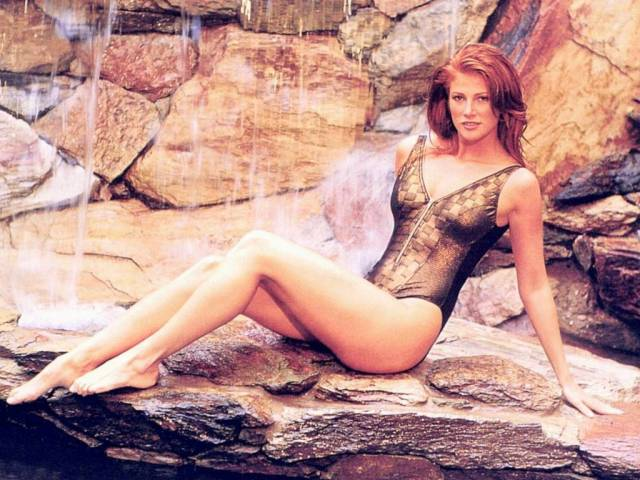 Angie Everhart hot lady picture
