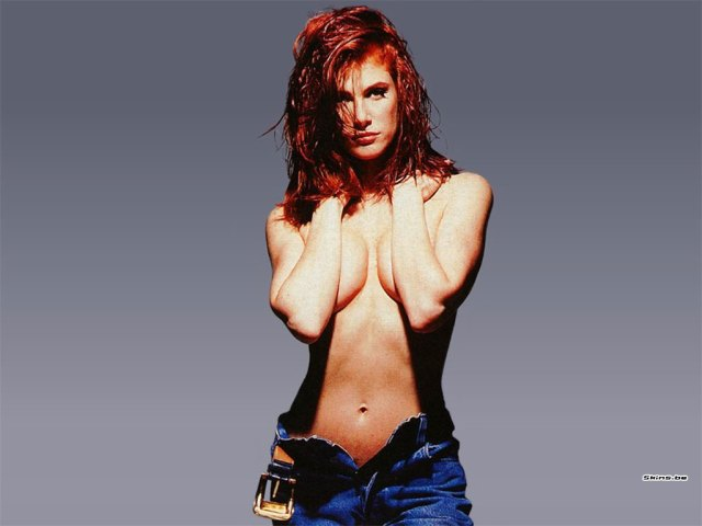 Angie Everhart hot women pic