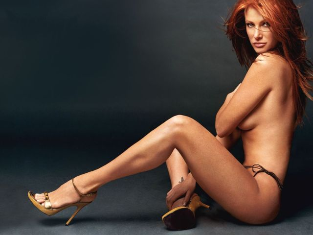 Angie Everhart nude