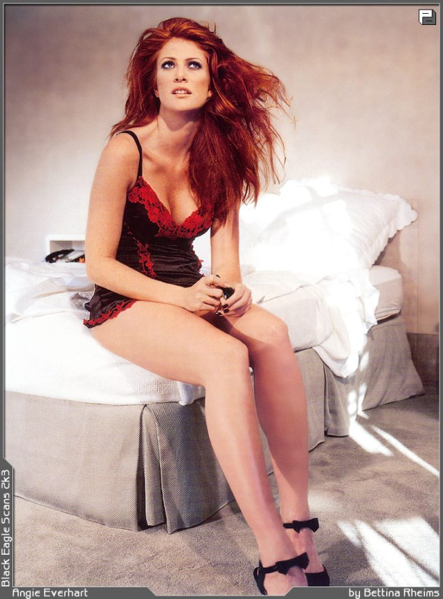 Angie Everhart too hot