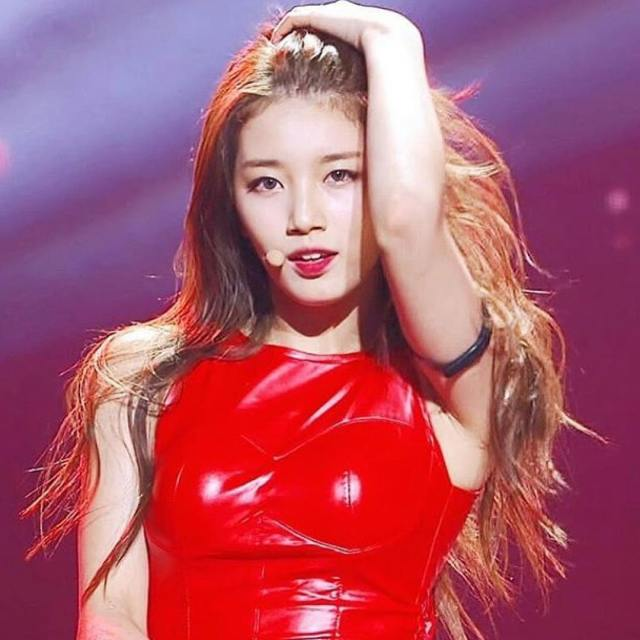 Bae Suzy Hot in Red