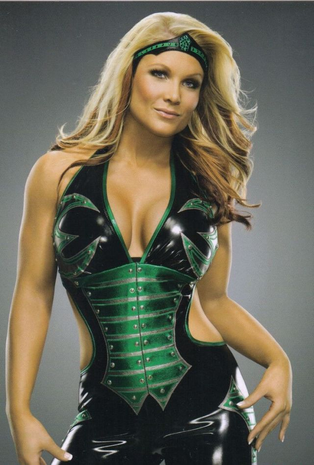 Beth Phoenix sexy green outfit
