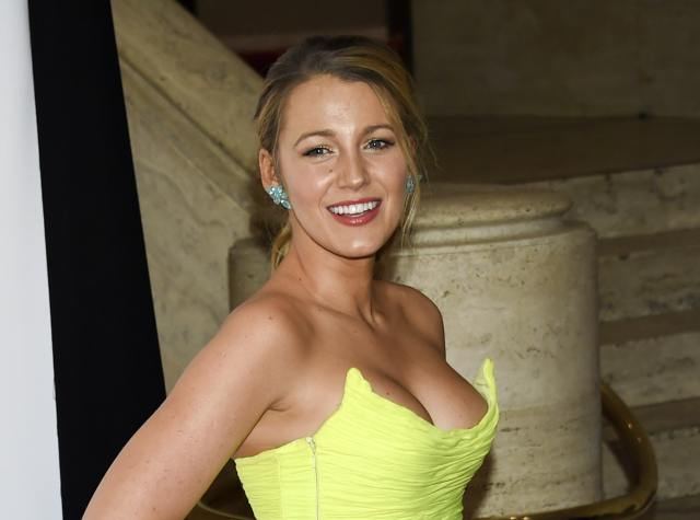 Blake Lively hot cleavage photo