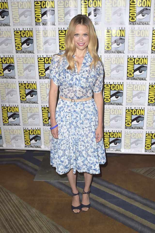Claire Coffee feet