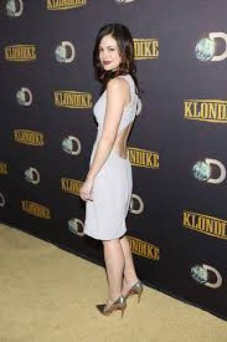 Conor Leslie hot lady photo