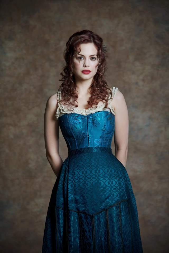 Conor Leslie hot lady picture