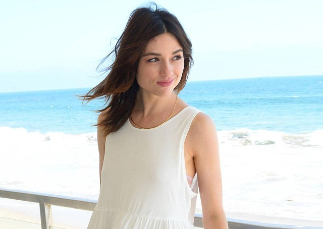 Crystal Reed hot lady pic