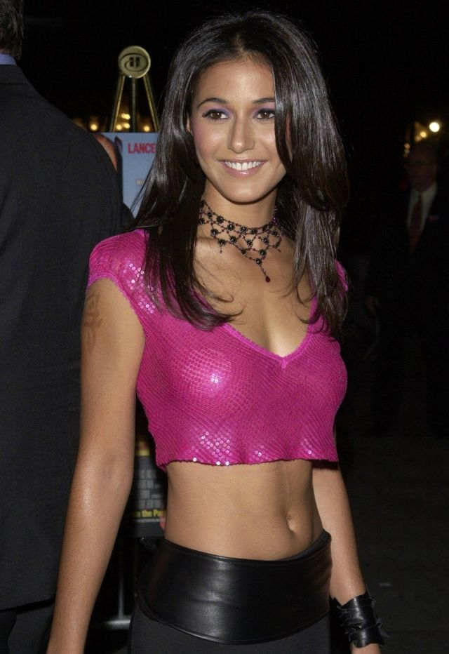 Emmanuelle Chriqui cleavages awesome pic