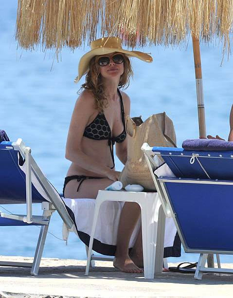 Heather Graham hot side booty