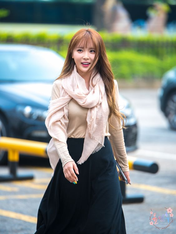 Hong Jin Young on the Road