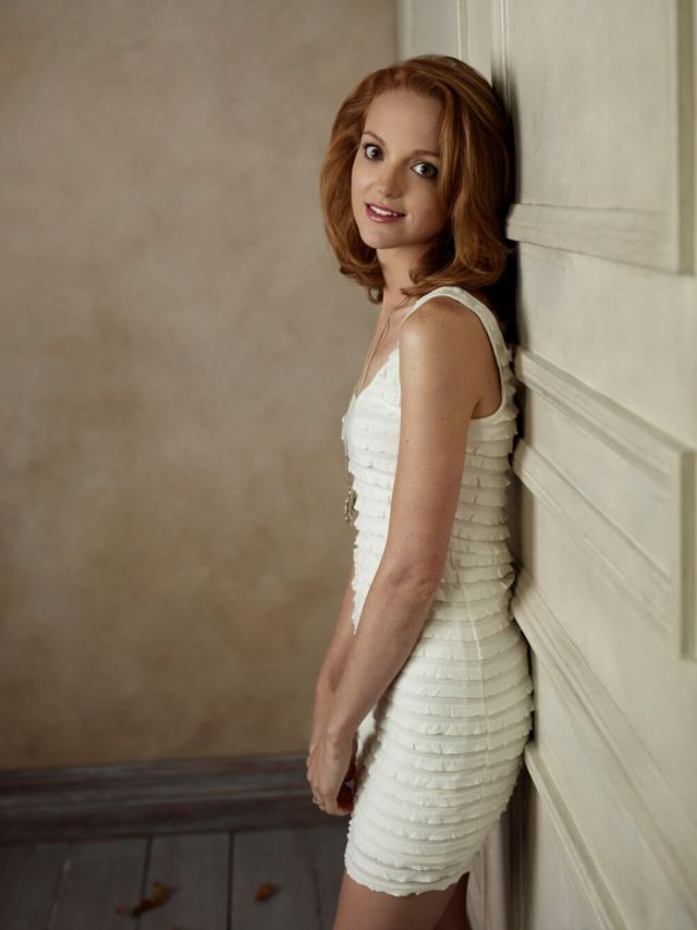 Jayma Mays sexy side pictures