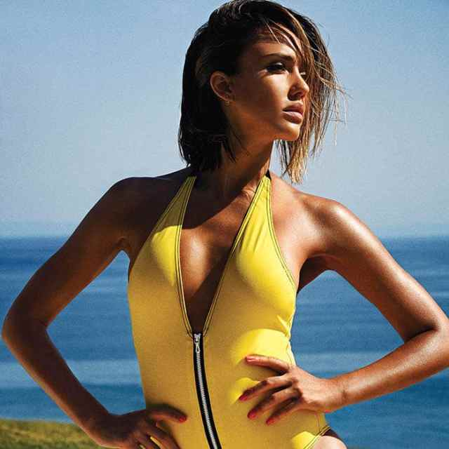 Jessica Alba Sexy Boobs Pictures in Yellow Swimming Costume