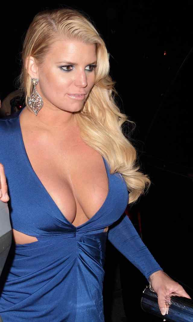 Jessica Simpson Sexy Boobs Pictures on Blue Dress