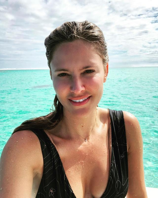 Jill Wagner on Beach Pics