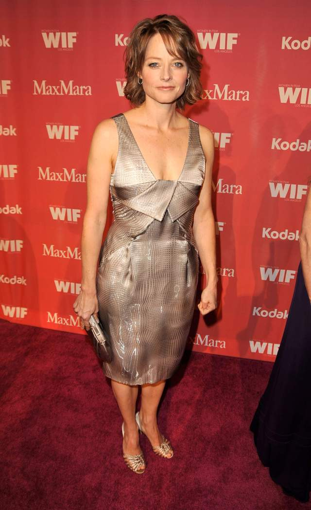 Jodie Foster sexy cleavage