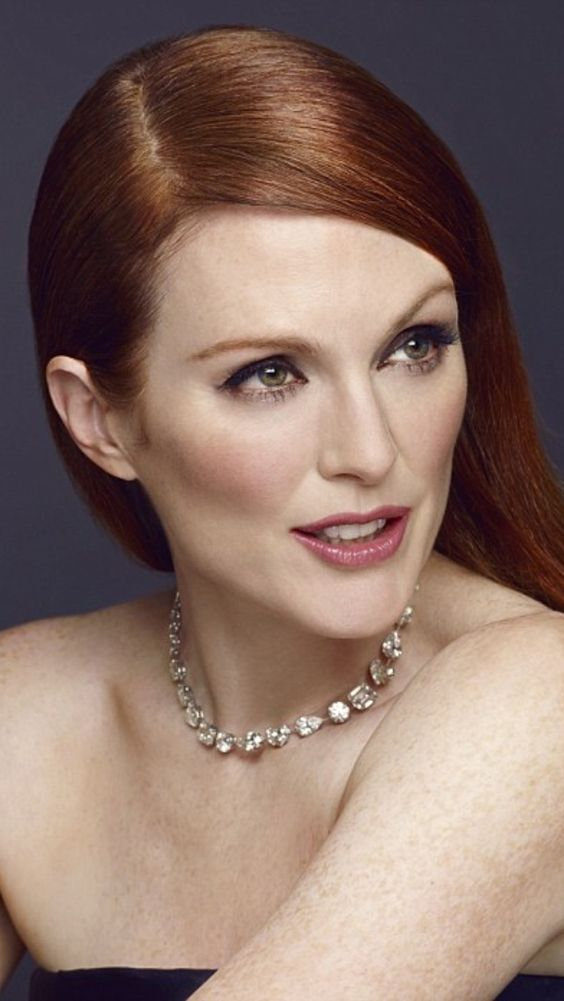 Julianne Moore sexy and hot