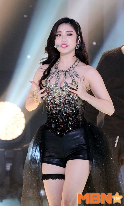 Jun Hyo-seong hot women pic