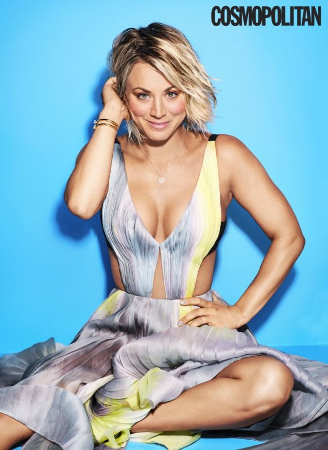 Kaley Cuoco too sexy cleavage pic