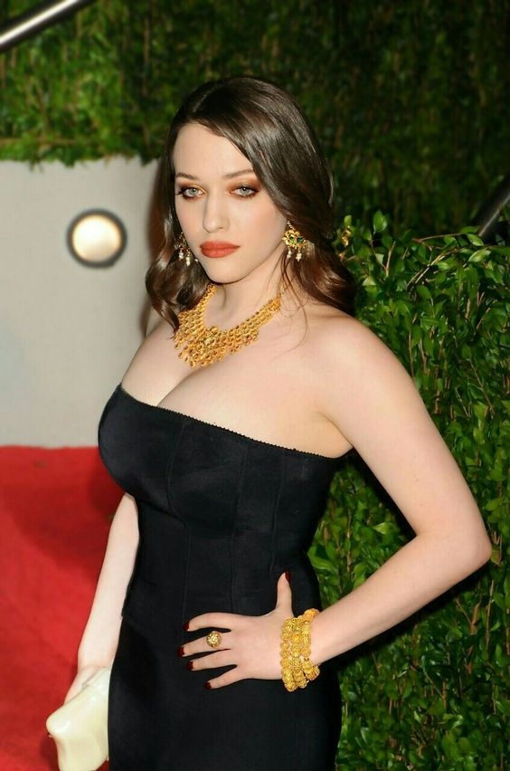 Kat Dennings hot women pic