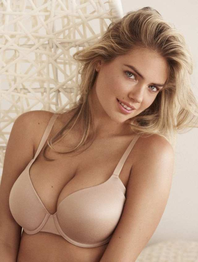 Kate Upton awesome cleavages