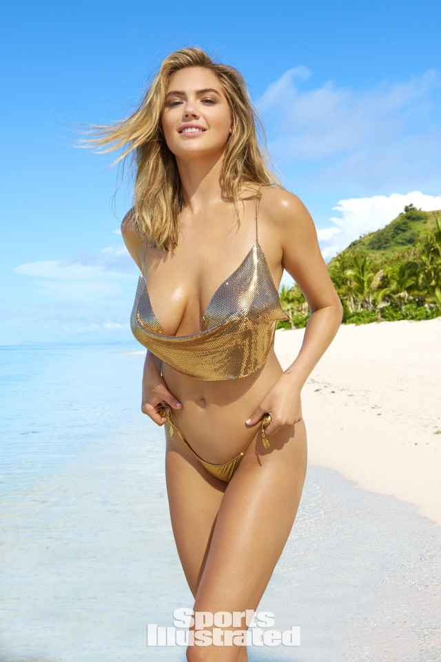 Kate Upton cleavages sexy pics