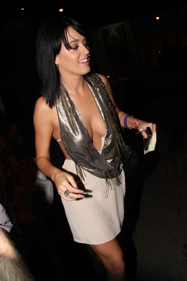 Katy Perry cleavages awesome pics