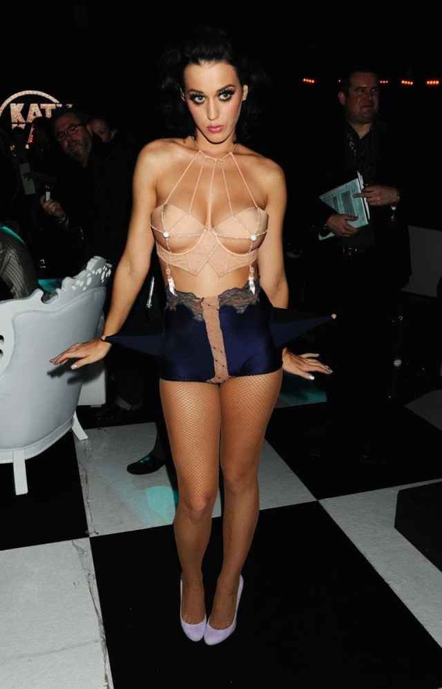 Katy Perry cleavages awesome
