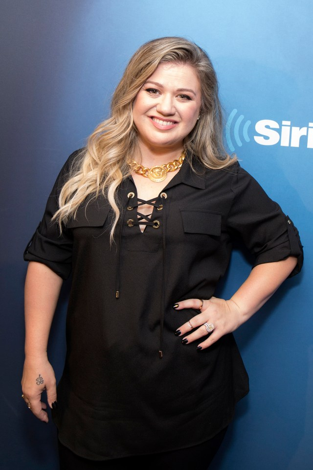 Grab Cut Insert Cut Celebrities Visit SiriusXM - September 12, 2017