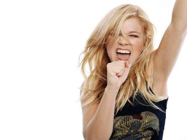 Kelly Clarkson too hot lady