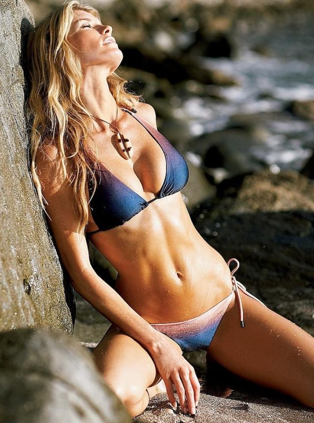 Marisa Miller Sexy Boobs Pictures