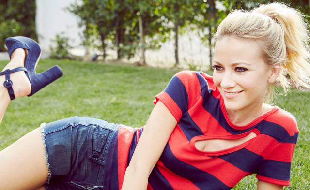 Meredith Hagner awesome picture