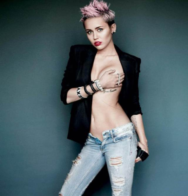 Miley-Cyrus topless hot