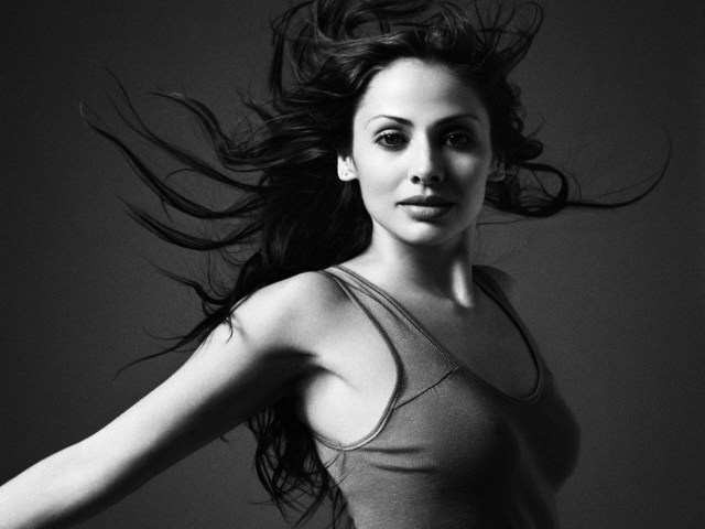 Natalie Imbruglia sexy and hot