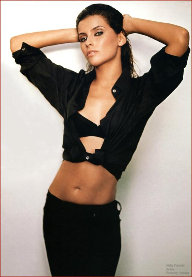 Nelly Furtado cleavages beautiful pics