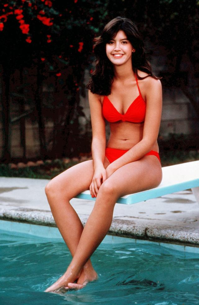 Phoebe Cates cleavages awesome