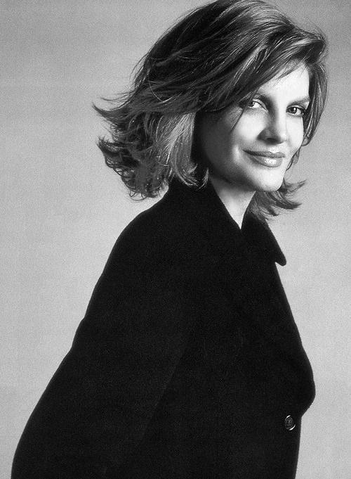Rene Russo hot lady pic
