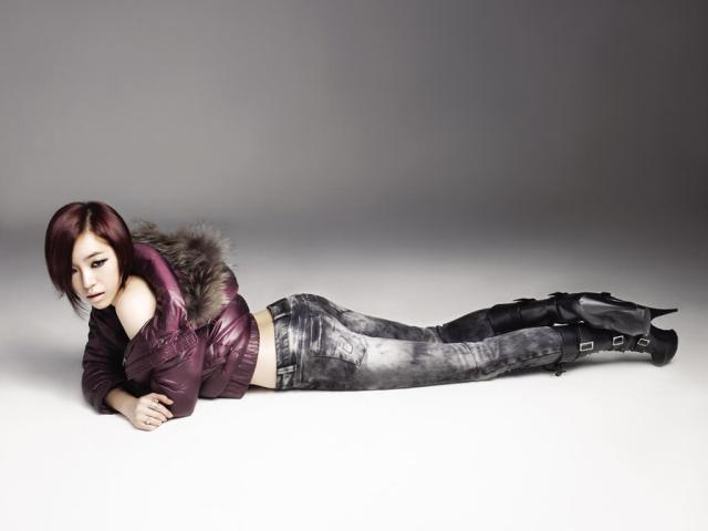 Son Ga-in hot photoshoot