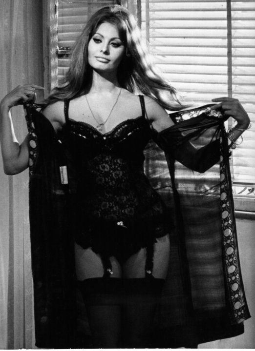 Sophia Loren Hot in Black Lingerie