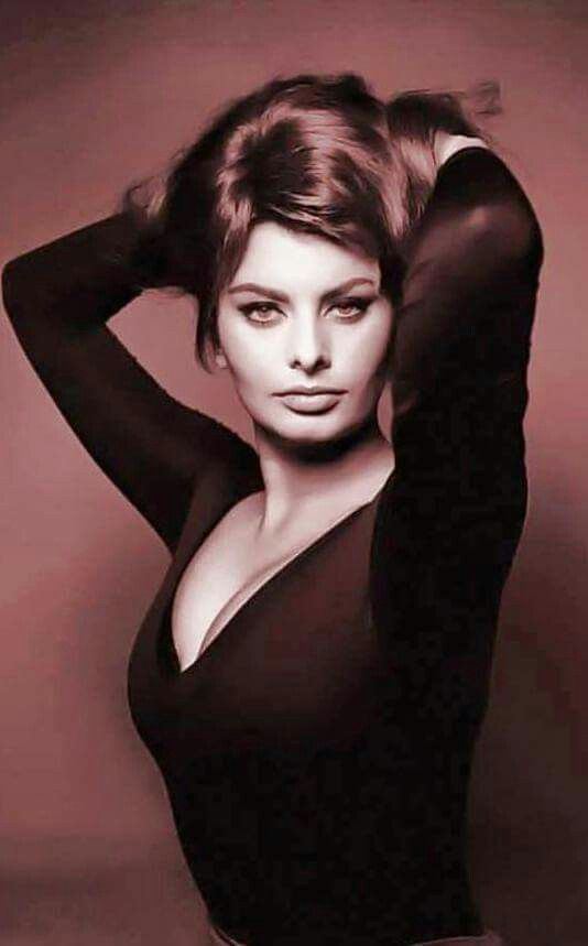 Sophia Loren Hot in Black