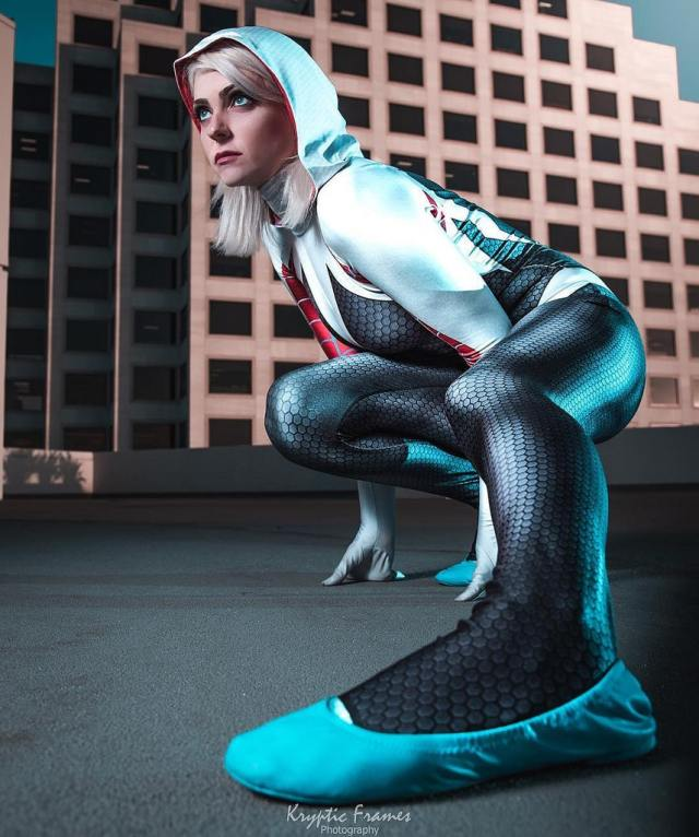 Spider Gwen awesome pic feet