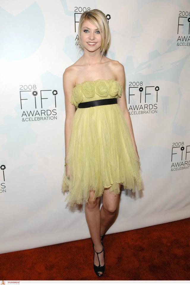 Taylor Momsen yellow dress